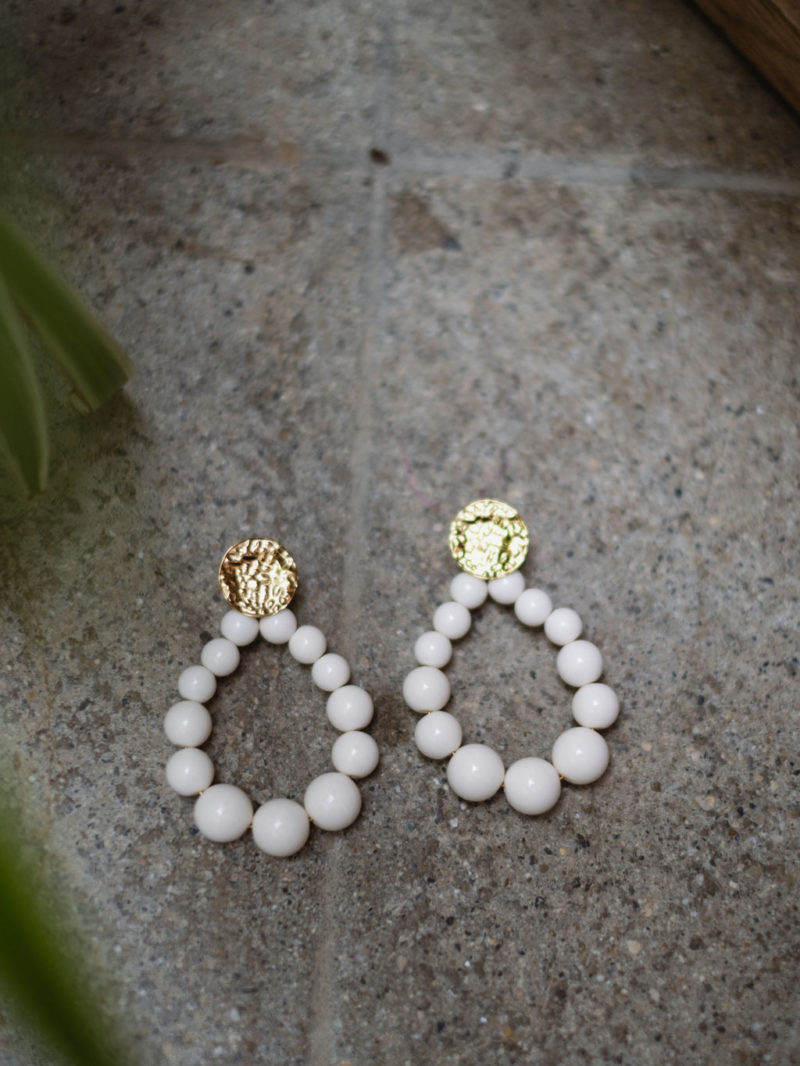 boucles perles beige
